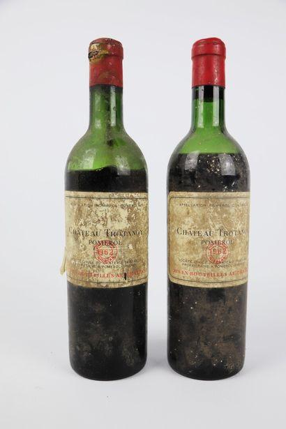 CHATEAU TROTANOY.  Millésime : 1962.  2 bouteilles,...