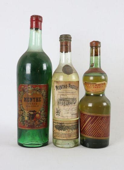 Réunion de trois bouteilles comprenant :...