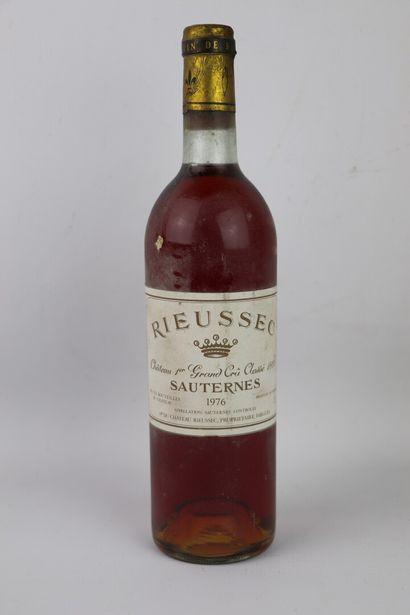 CHATEAU RIEUSSEC.  Millésime : 1976.  1 bouteille,...