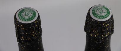 CHAMPAGNE F. THOMAS, CUVEE SAINT SAUVEUR.  Millésime : 1995.  2 bouteilles, une...