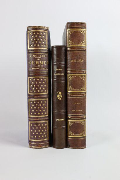 Ensemble de trois livres reliés comprenant...