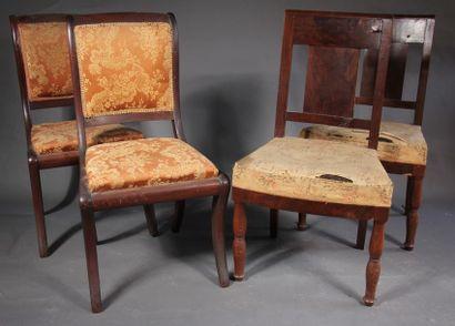 *Lot : -Paire de chaises en placage d'acajou...