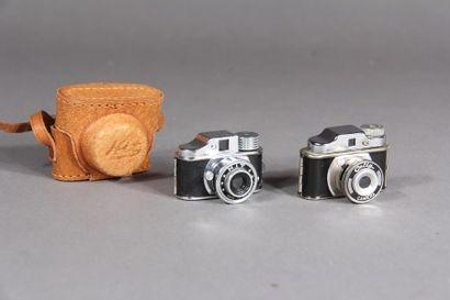 COLLY - HIT Deux appareils photo miniatures...