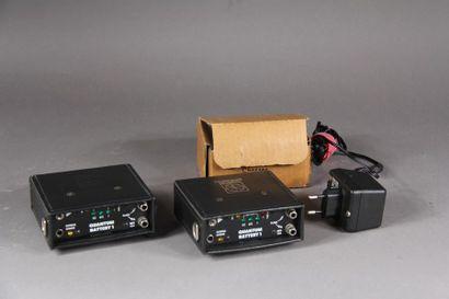 Deux battery QUAMTUM 1 avec un chargeur QUANTUM...