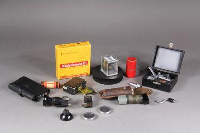 Lot divers d'accessoires pour appareils photo...
