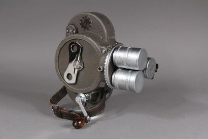 BELL HOWELL Caméra modèle 70 DR tourelle...