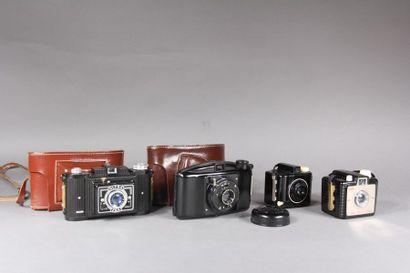 Lot de quatre appareils photo : - KODAK modèle...