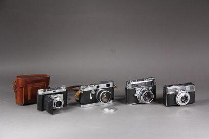 Lot de quatre appareils photos : - KODAK...
