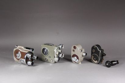 Lot de quatre cameras : - REVERE modèle Magazine...