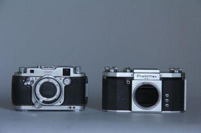 Lot de 2 boitiers d'appareils photos : ROBOT...