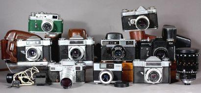 Lot : - ZENIT Deux appareils photos modèle...