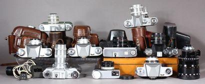 Lot : - ZENIT Deux appareils photos modèle Zehnn 5 avec obj. Beta-3 2,8/50, avec...