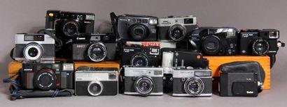 Lot de 13 appareils photos : - ZEISS IKON...