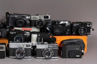 Lot de 13 appareils photos : - ZEISS IKON modèle S310 obj. Contessa C. Zeiss Tessar...