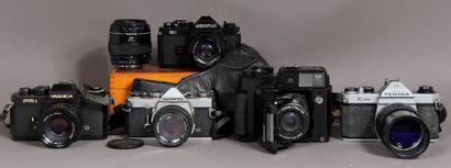 Lot d'appareils photos : - REVUEFLEX modèle...