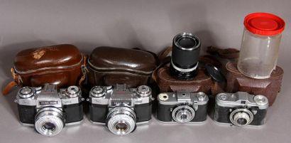 ZEISS-IKON Lot de quatre appareils photos : - TAXONA, obj. C. Zeiss Jenar Tessar...