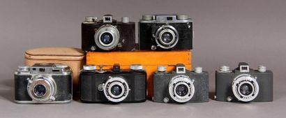Lot de cinq appareils photos : - SEM modèle...
