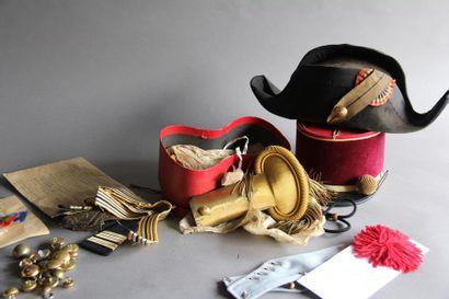 Lot militaria : - Epaulettes et contre épaulettes...