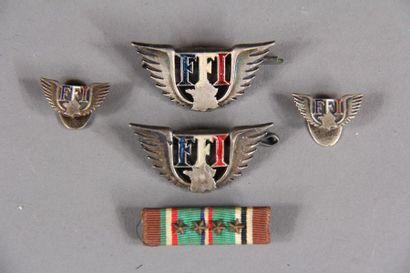 *FFI Quatre broches en métal émaillé et une...