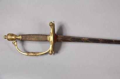 Epée de type Prairial, dessous de la garde décorée d'un piquetage, lame triangulaire...