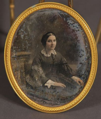 Daguerotype ovale représentant Carmen de...