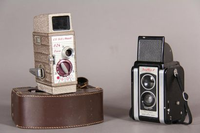 *Lot : - KODAK Appareil photo modèle Duaflex...