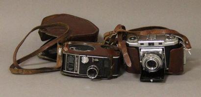 Lot : - appareil photo ZEISS IKON modèle...