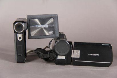 Lot de deux camescopes numériques : - MEDION...