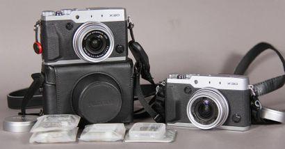 FUJIFILM Deux appareils photo X30 dont un...