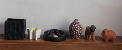 *Lot de vases en céramique et diivers  H...