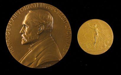 Deux médailles en bronze Henri Germain et...