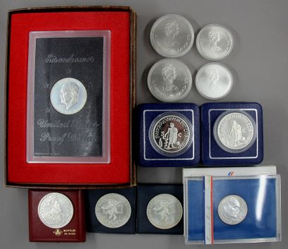 Lot de pièces en argent :  - Quatre pièces...