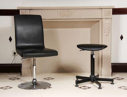 Lot :  - Chaise de bureau tournante en skaï...