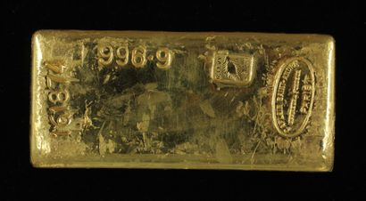 *Un lingot en or Caplain Saint André n°161874,...