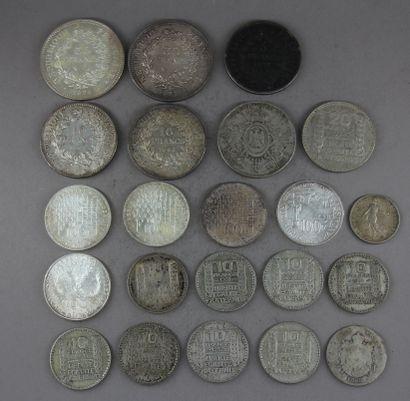Lot de pièces en argent :  - 2 p. 50 FF Hercule  - 2 p. 10 FF Hercule  - 1 p. 5...
