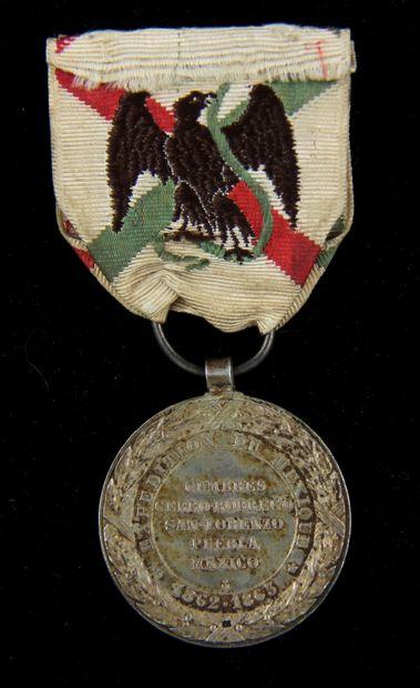 Médaille de la campagne du Mexique (1862-1863) en argent, signée Barre, avec son...