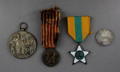 Lot :  - Italie : médaille commémorative...