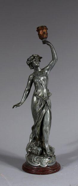Ecole moderne  Jeune femme  Sculpture en...