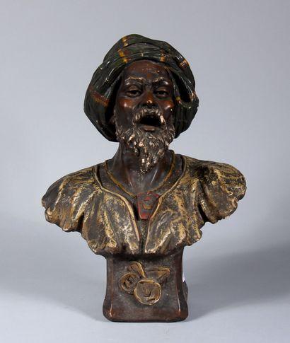 F PERROT  Buste de Maure  Sculpture en plâtre...