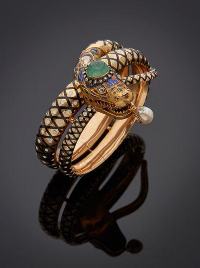 *Bracelet rigide ouvrant en or jaune bas titre (ET) figurant un serpent enroulé,...