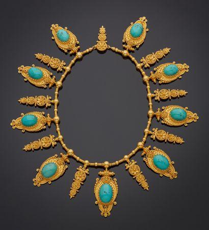*Collier draperie de style étrusque en or jaune 750 millièmes orné de motifs fleurettes...