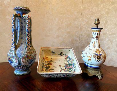 * St CLEMENT - GIEN  - Vase en faïence à...