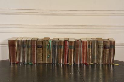 La PLEIADE  Dix-neuf volumes, certains a...