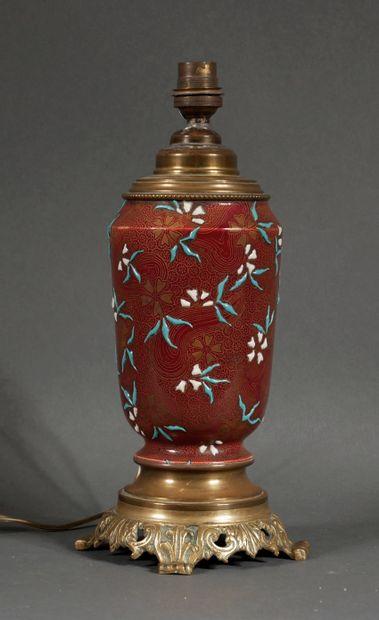 Pied de lampe en céramique émaillé de fleurs,...
