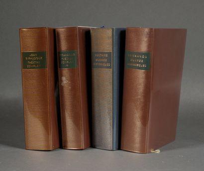 LA PLEIADE  Quatre volumes dont avec pages...