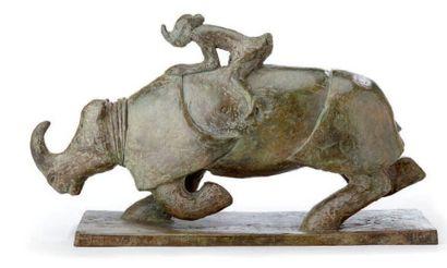 Sophie VERGER (né en 1953) Ballerine rhinocéros Epreuve à patine verte claire, signée...