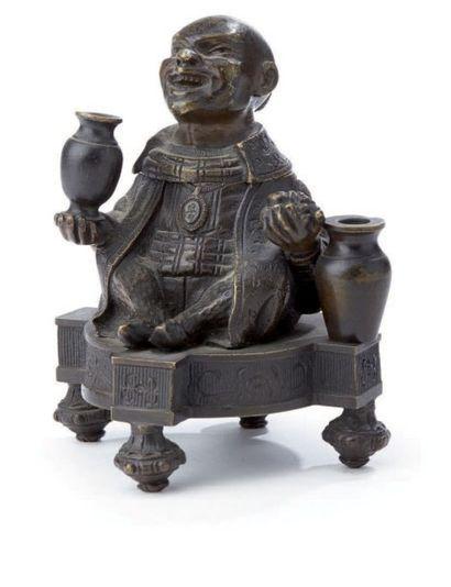 Okimono en bronze anciennement laqué représentant...