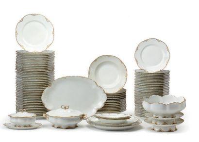 Important service Haviland porcelaine blanche...