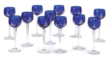 12 Verres à vin du Rhin, cristal doublé ...