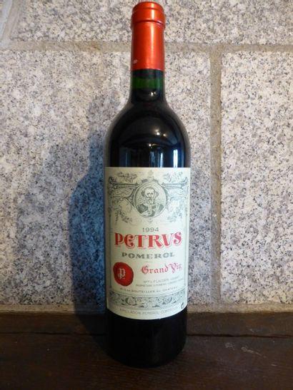 6 bouteilles PETRUS, Pomerol 1994 (cb de 12)